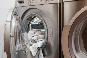 Jak wybrać dobrą pralkę? Przydatne wskazówki