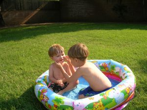 Ogrodowy basen dla dziecka – jak wybrać najlepszy?
