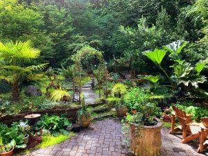 Jak wybrać dodatki do mebli ogrodowych?